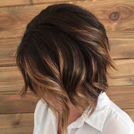 Color de pelo marrón, Bob Balayage Marrón Oscuro